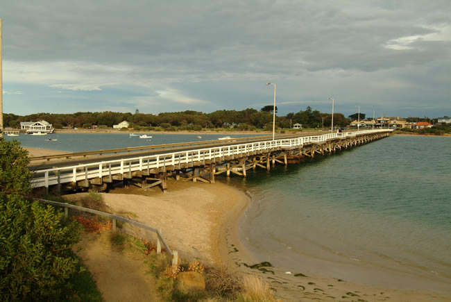 Barwon Heads Bridge, linking Barwon Heads and Ocean Grove, Bellarine Peninsula, Victoria, Australia