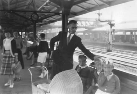 Wellington St Station, Perth, Western Australia, in the late 1950s